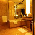 Photo de Four Seasons Hotel Hong Kong