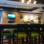 Photo de Holiday Inn Express Hotel & Suites - Nacogdoches