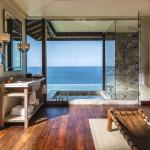 Serenity Villa bathroom view