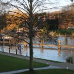 Foto de the runnymede-on-thames