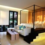 Anda Mani Bedroom with Sunlight