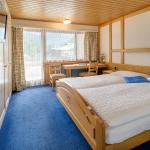 Double room with balcony and Matterhorn view