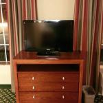 Dresser / Flat Screen TV