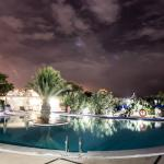Piscina de noche/ Pool at night/ pool bei Nacht