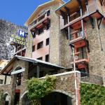 Photo de Xalet Besoli Hotel