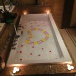 Complimentary relaxing bath for honeymoon package
