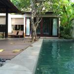 Villa with private pool, outdoor living room, kitchen
