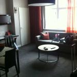 Photo de Adina Apartment Hotel Berlin Checkpoint Charlie