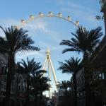 the High Roller behind the Flamingo