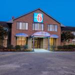 Motel 6 Roanoke Rapids