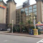 Palm Grove Hotel and Suites Virginia Beach