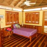 Mango Creek Lodge resmi
