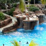 Love this pool and diving area