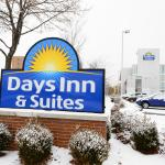 Photo of Days Inn & Suites Milwaukee