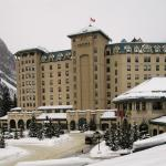 View of the front of Fairmont Chateau Lake Louise