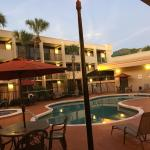 صورة فوتوغرافية لـ ‪Travelodge Inn & Suites Orlando Airport‬