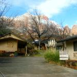 Red Rock Inn Bed and Breakfast Cottages