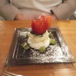 Strawberry, Kiwi & White Chocolate Cream Merangue