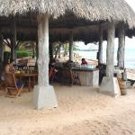 The Laughing Fish bar at Turtle Inn