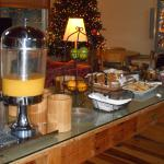 Now that's how to set up a continental breakfast