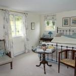 Large double bedroom with large en-suite bathroom