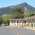 Photo of Alpine Trail Ridge Inn