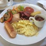 Choice of local or western breakfast ��