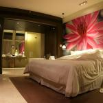 super king size bed in the executive suite