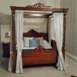 The four-poster