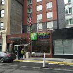 Photo de Holiday Inn Express New York City Times Square