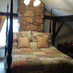 Bed with stone décor