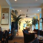 Oceanfront area of lobby / cafe