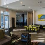 Photo de Staybridge Suites St. Petersburg Downtown