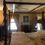 Foto de Colonial Gardens Bed & Breakfast