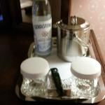 Amenities, icebucket, Fort Garry Hotel  |  222 Broadway Ave, Winnipeg, Manitoba R3C 0R3, Canada