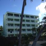Foto van Coconut Court Beach Hotel