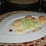Scallop starter at Les Cocotiers restaurant