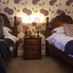 Beautiful twin room with ensuite - February 2015