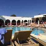 Piscine et bar