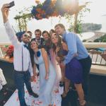 Seaview wedding day. Young and beautiful selfie time ❤️����