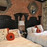 Foto de The French Quarters Guest Apartments
