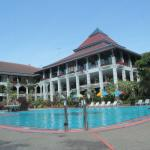Photo of Royal Orchids Garden Hotel