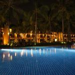 Photo de Katathani Phuket Beach Resort