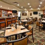 Mallett's Creek Bar & Grille