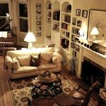 The entry/common living room.