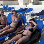 Marriott CasaMagna Cancun beach chairs and towels free