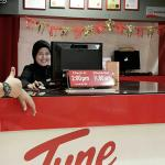 Nice & Friendly Staff By Name Of Nani .She greet us with a lovely smile. Strongly recommend her