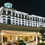 Dover Downs Hotel at night