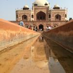 Historic sites are very close too; Humayun' s Tomb