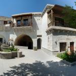 Photo de Flintstones Cave Hotel and Pension